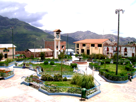 Medium_plaza_antabamba